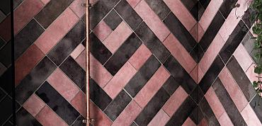Spectaculaire kleurcombi roze-zwart voor in de douche